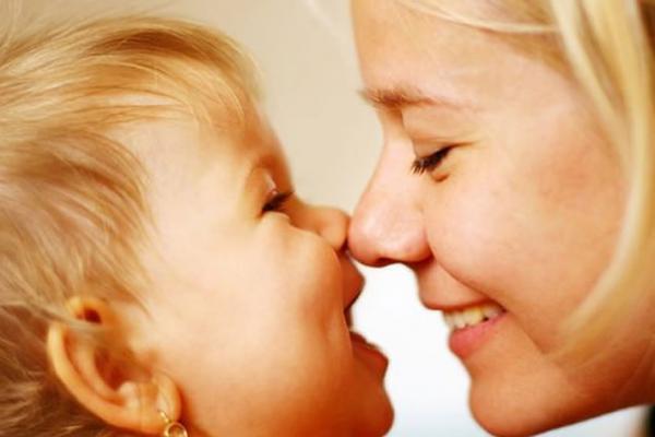 Besos de madre