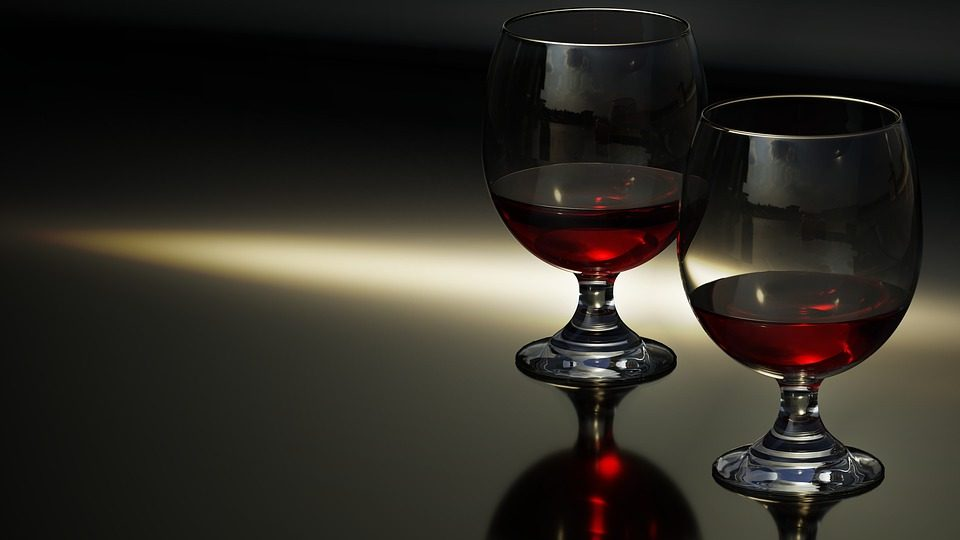 Beber vino ayuda al corazón