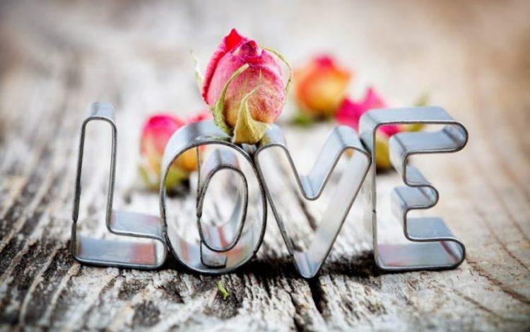 Love es Amor