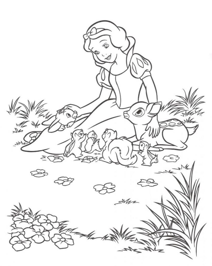 Blancanieves para colorear junto a varios animalitos